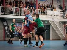 Handballers DFS Arnhem zijn na zenuwslopend duel zeker van nog een jaar eredivisie