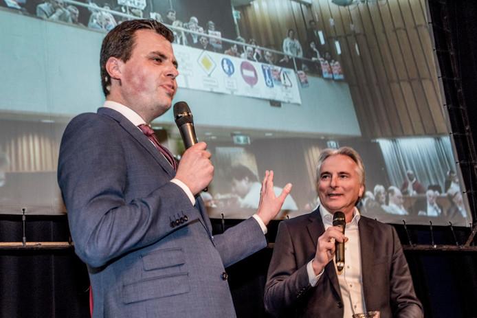 Berend de Vries en Hans Smolders tijdens het grote verkiezingsdebat in de NWE Vorst