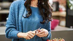 Sandra Bekkari kookt gezond met noten: in de soep, bij een salade of als krokant korstje op vis