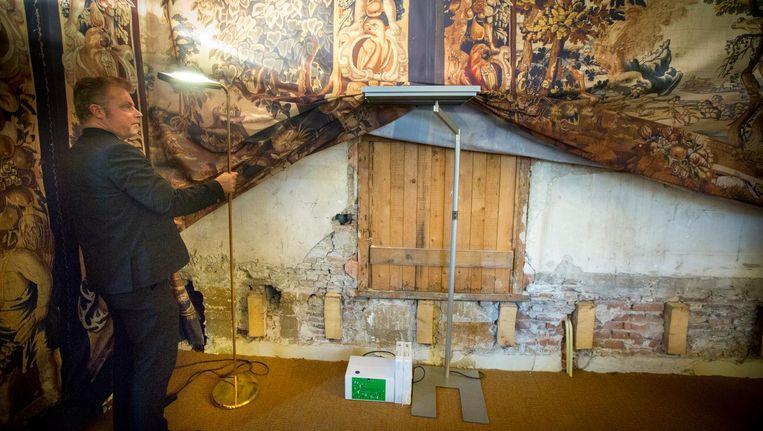 Achterstallig onderhoud op het Binnenhof. Beeld Jerry Lampen/ANP