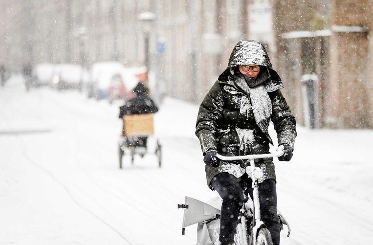 Fietsers in een winters Utrecht. Beeld ANP