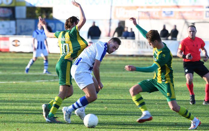 Djamel Boerstra zette FC Lienden op bezoek bij HSC'21 op een 0-1 voorsprong.