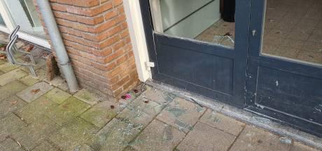 Fooienpot met duizend euro weg na inbraak in kringloopwinkel in Almelo