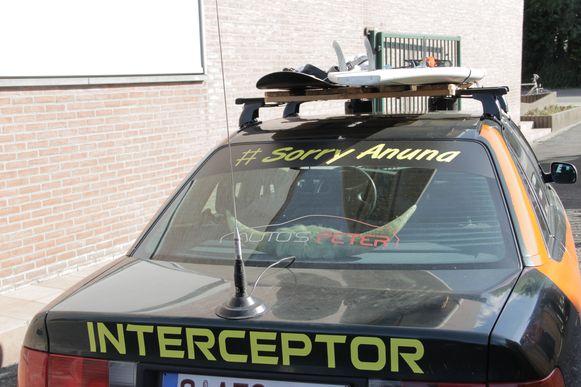De wagen heeft onder andere verwijzingen naar Mad Max (Interceptor) en Anuna De Wever.