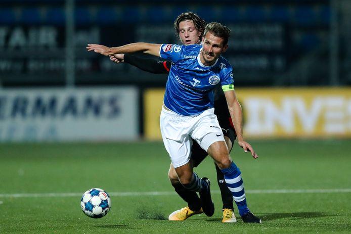 FC Den Bosch-aanvoerder Paco van Moorsel was vrijdagavond de enige dertiger op het veld.