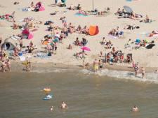 Lange files richting de stranden: 'Kom niet meer naar Hoek van Holland'