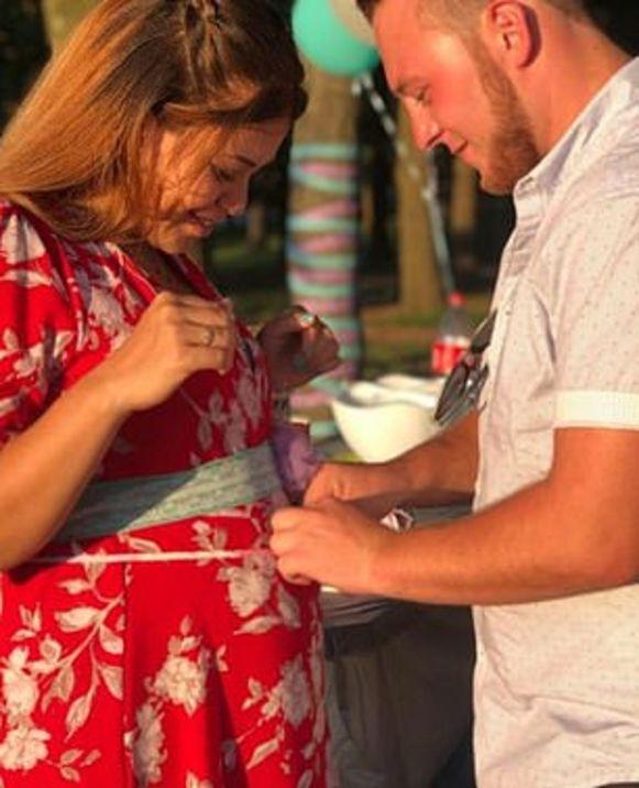 Het koppel tijdens de zwangerschap.