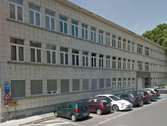 Coronatestcentrum verhuist naar vroegere belastingkantoor