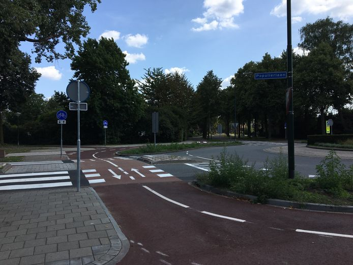 De vernieuwde fietspaden langs de Populierlaan in Veghel.