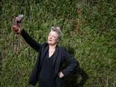 Hanneke is al zes jaar smartphoneloos: 'Ik vraag gewoon de weg op straat'