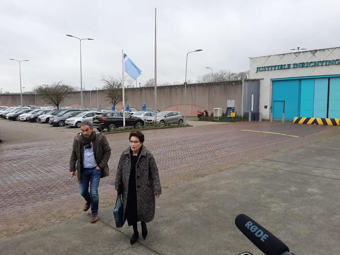 Frans van Laarhoven met advocaat Carry Knoops-Hamburger.