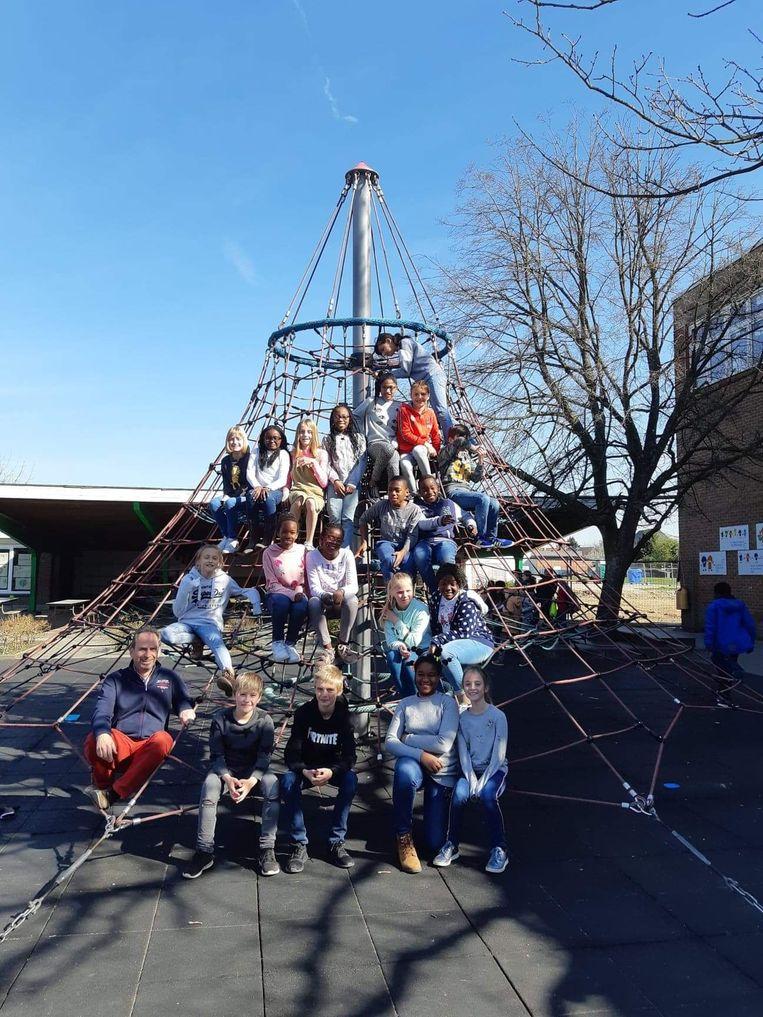 De leerlingen van  de klas 5C aan het KCD Denderleeuw bereiden zich al voor op hun komst naar radio P.R.O.S.