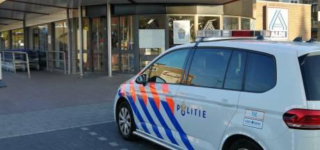 Zwijndrechtenaar (17) opgepakt voor overvallen op winkels in woonplaats