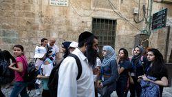 Palestijnse buschauffeur geeft Joodse man 10.000 dollar terug die hij op bus verloren was