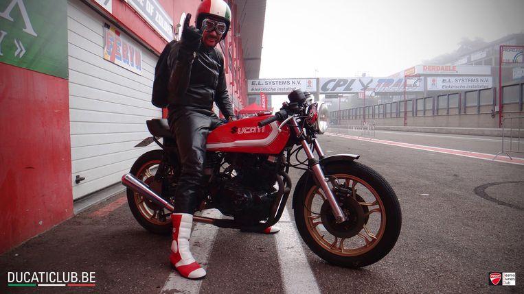 """Gert Nicolay (48) op zijn Ducati. """"Daar was hij het gelukkigst."""""""