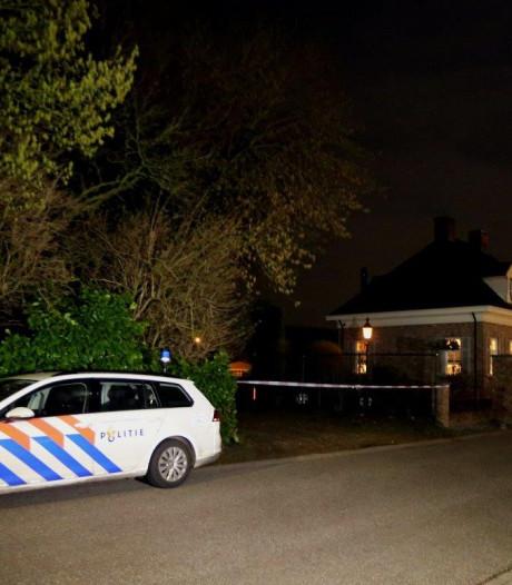 Politie massaal in Ammerzoden na woningoverval: dader(s) ontkomen