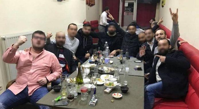 Kenan Aydogan (tweede van rechts).