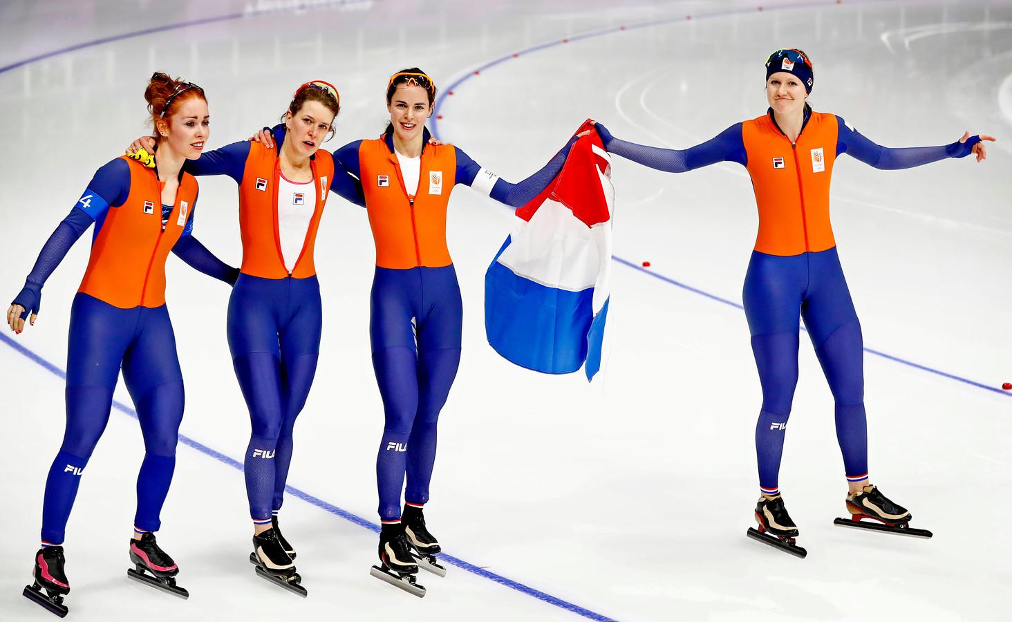 Antoinette de Jong, Ireen Wust, Marrit Leenstra en Lotte van Beek.