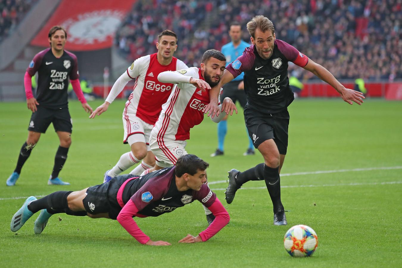 Willem Janssen in duel met zijn oud-teamgenoot Zakaria Labyad.