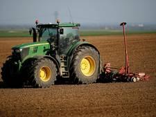 Drie familieleden vernielden tractor in familievete om weiland in Oijen