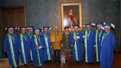 Orde van de Paardenvisser brengt eerste garnalen naar koninklijk paleis