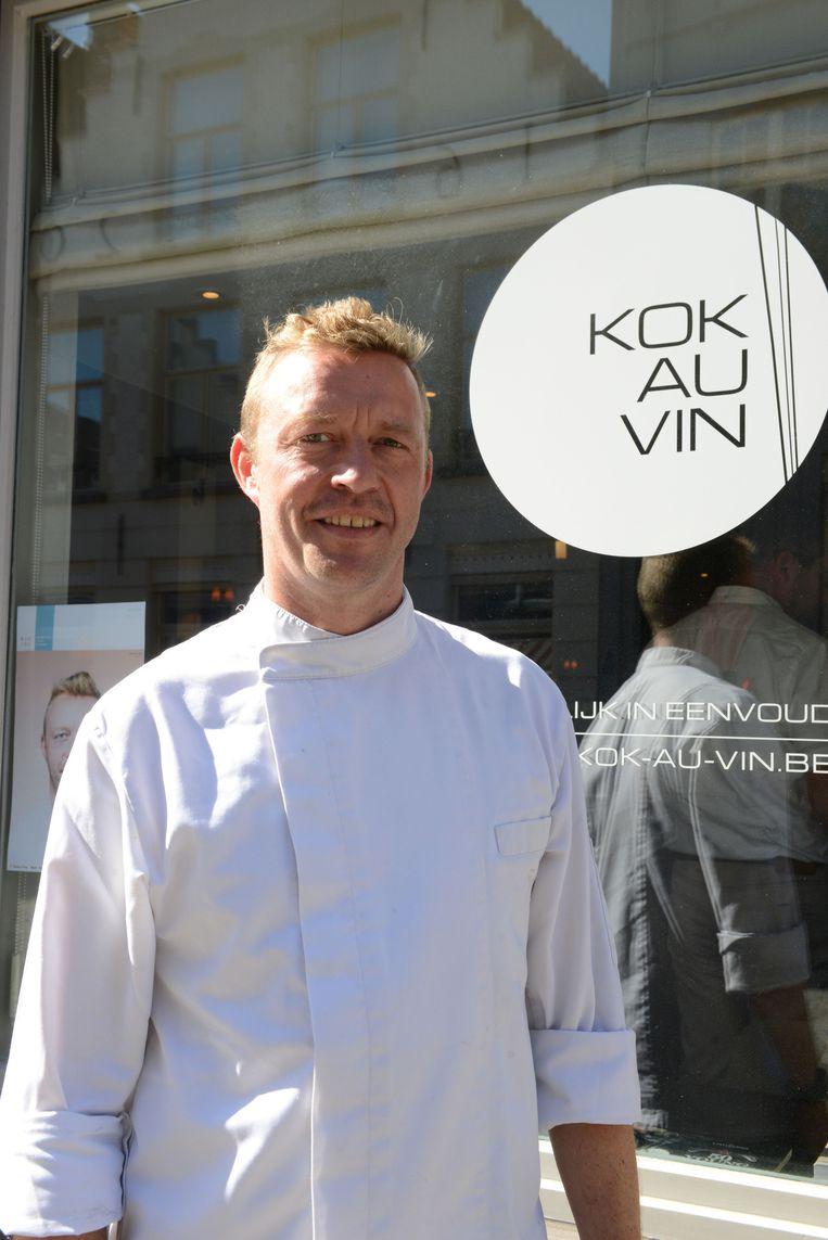 Kaasambassadeur Jürgen Aerts van restaurant Kok Au Vin in de Ezelstraat in Brugge.