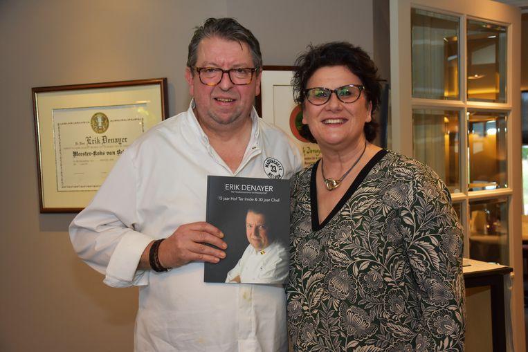 Chef Erik Denayer en zijn levenspartner Anne Gies die zelf ook het boek '15 jaar Hof ter Imde/30 jaar Chef' schreef.