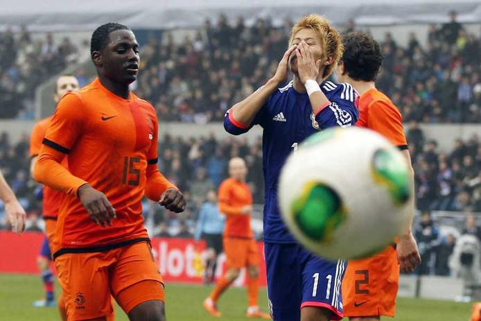 Jetro Willems in actie tegen Japan.