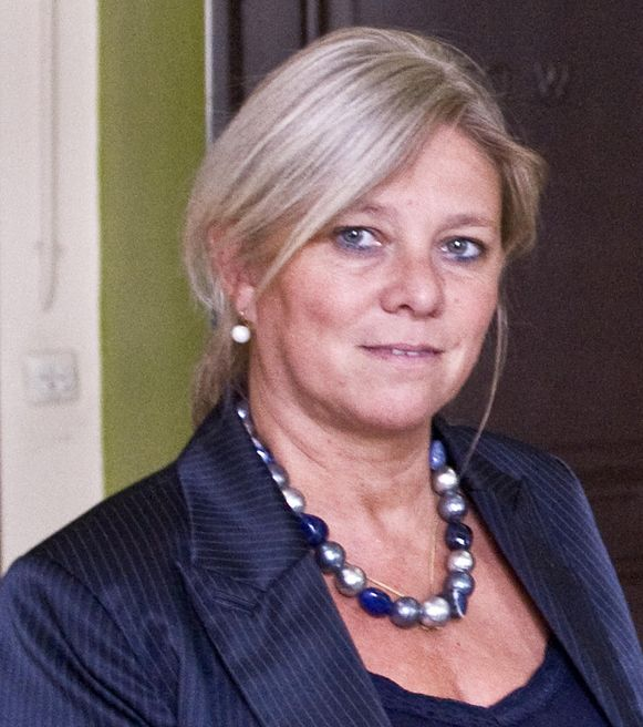 Karin Heremans combineert de leiding van het Antwerpse Atheneum met het co-voorzitterschap van het Radicalisation Awareness Network van de Europese Commissie en werk voor de Vlaamse overheid.