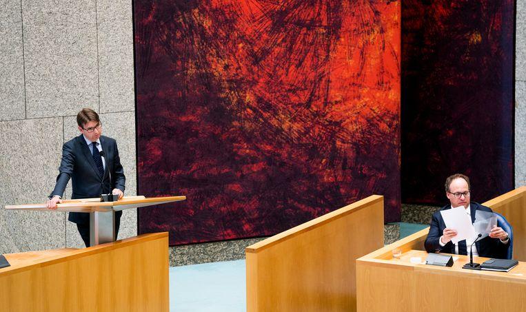 Steven van Weyenberg (D66) en Minister Wouter Koolmees van Sociale Zaken en Werkgelegenheid (D66). Beeld Freek van den Bergh / de Volkskrant