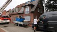 Dakwerker kritiek na val van dak in Damstraat, slachtoffer komt op eigen aanhangwagen terecht