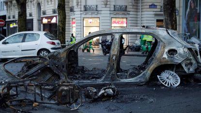 Enorme ravage en meer dan 130 gewonden na rellen in Parijs: noodtoestand mogelijk uitgeroepen