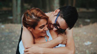 Is het oké om de ex van je vriend te daten? Dit vinden de verschillende generaties