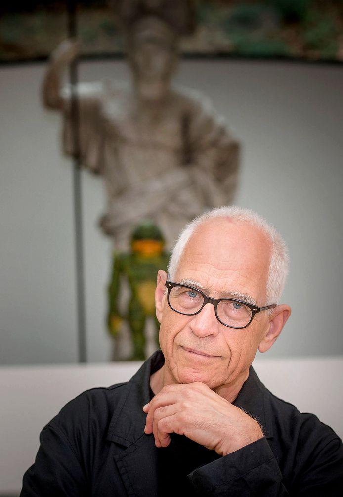 Haim Steinbach exposeert in Kurhaus Kleve.