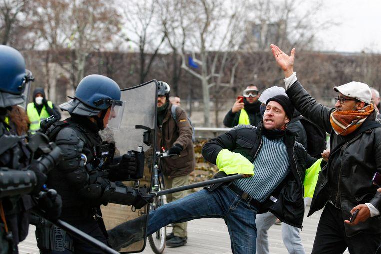 Het protest van de 'gele hesjes' verloopt zelden zonder geweld.