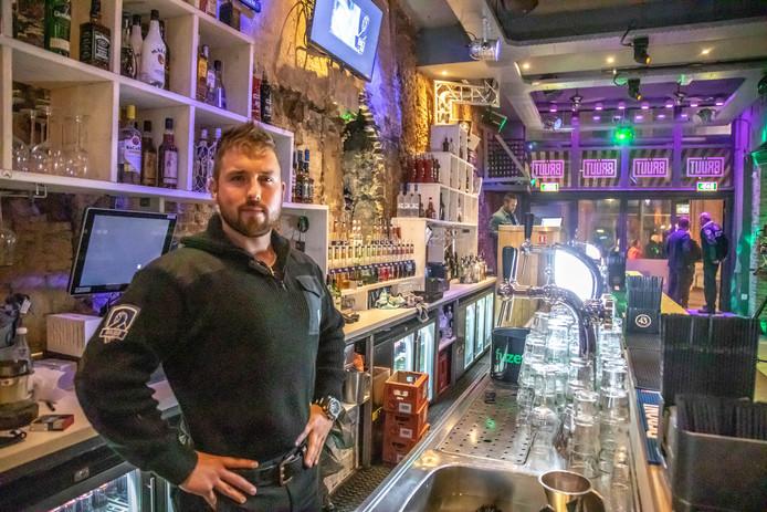Zwolle  Eigenaar Bob Kooistra van café Bruut in Zwolle. Het café mag 'onder voorwaarden' weer open.