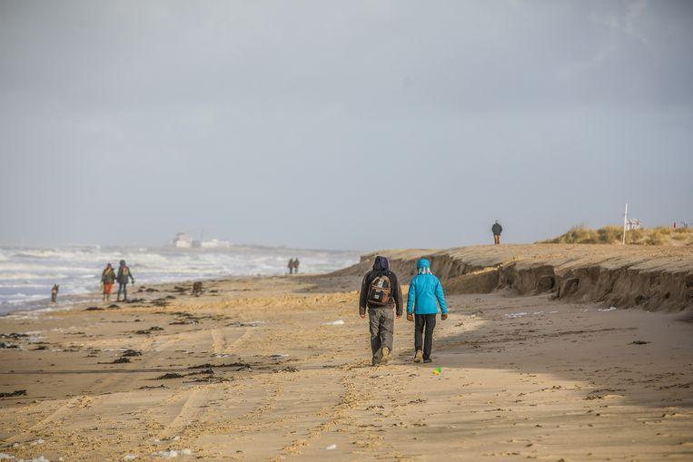 De laatste jaren verschijnen er elk jaar kliffen op het strand bij een winterstorm.