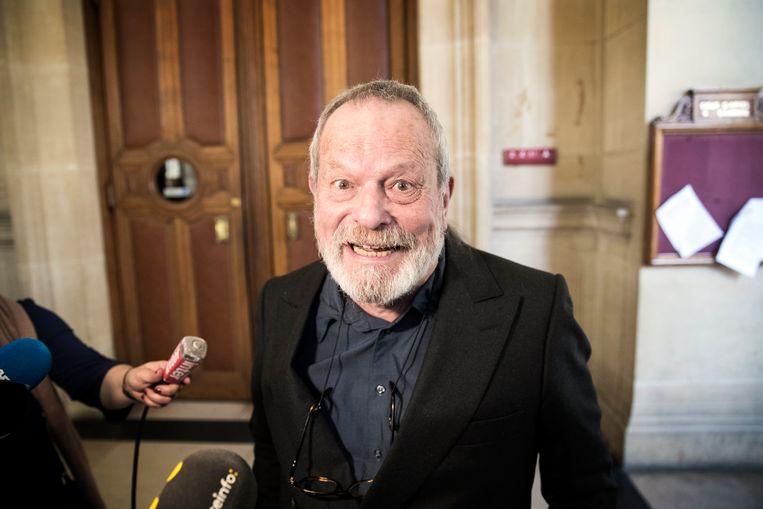 Regisseur Terry Gilliam verlaat het hooggerechtshof in Parijs, april 2018. De juridische strijd om de rechten van The Man Who Killed Don Quixote is gewonnen. Beeld EPA