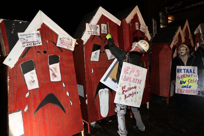 Vorig jaar was er een drama rond niet afgebouwde huizen in de Van Sleenstraat, hier in beeld gebracht tijdens de vorige Maskerade.