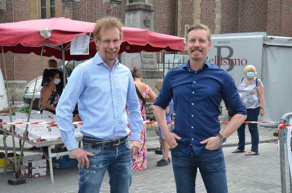 Kristof en Filip Beerens op de eerste markt in Haaltert sinds de heropstart.