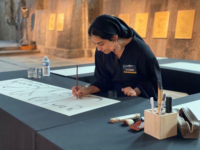 Fatemeh Khezri aan het werk.