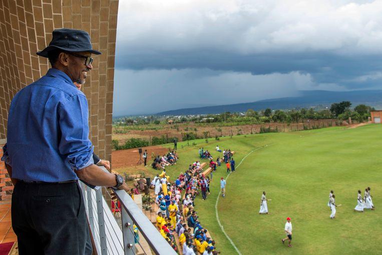 President Paul Kagame bij de opening van het eerste cricketstadion in Rwanda. Beeld AFP