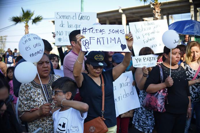 Manifestation lors des funérailles de la fillette à Tlahuac, au sud-est de Mexico.