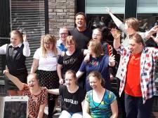 Gerard Joling opent Zwijndrechts huis voor jongeren met een beperking: 'Deze mensen zijn altijd oprecht'