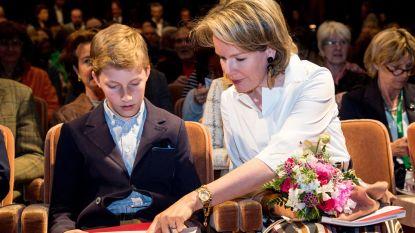 Mathilde op eerste rij met jongste zoon