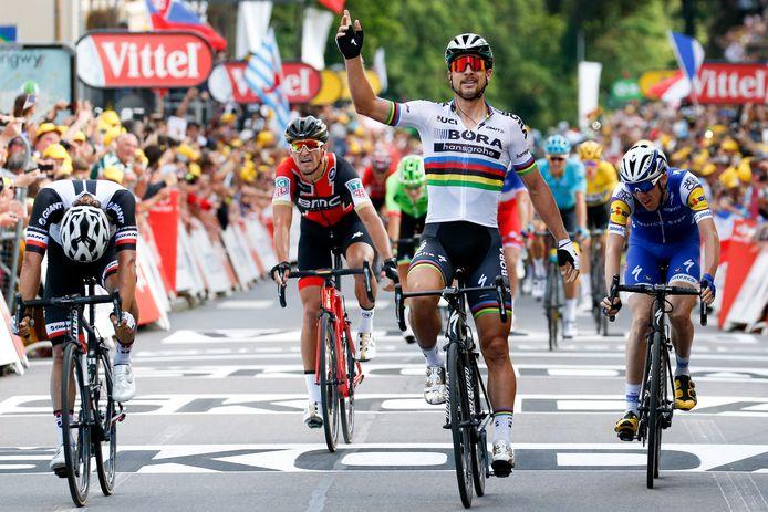 Sagan won de derde rit met aankomst in Longwy, maar een dag later moest hij de Tour al verlaten.