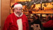 Gekke patron verandert omgeving café Lam Gods in winterlandschap en kerstmarkt