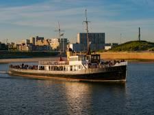 Oude PSD-veerboot Koningin Emma staat te koop: wie redt haar van de sloop?