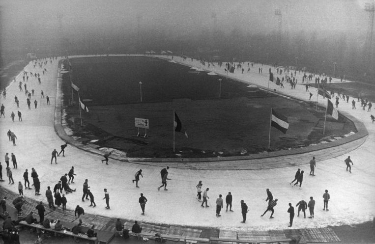 Opening van de Jaap Edenbaan in 1961. Beeld ANP