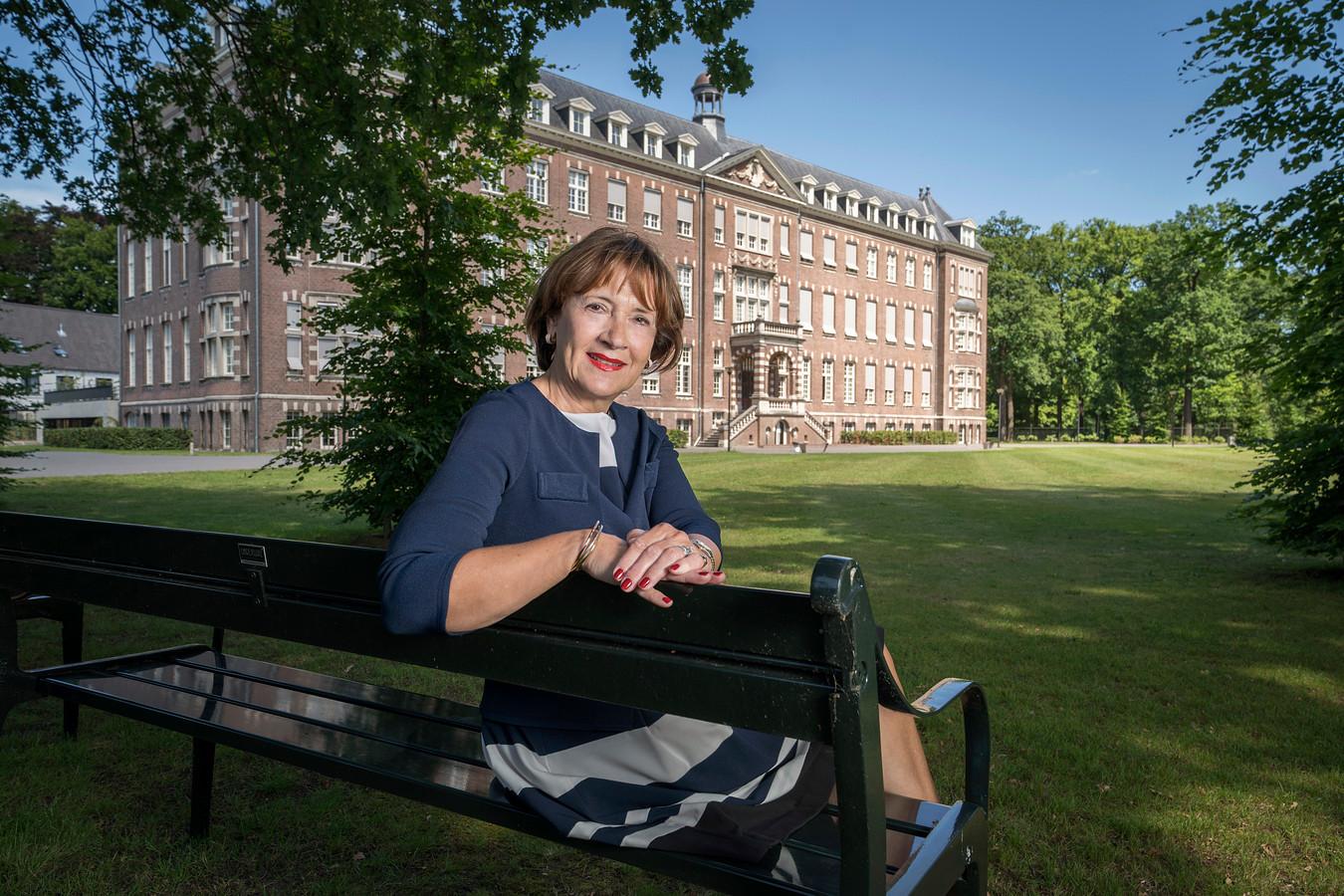 Mieke Bosman is stapelverliefd op haar 'paleisje'.